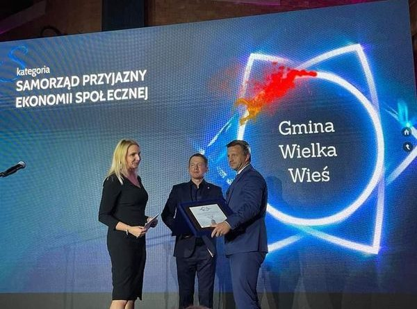 Małopolski Lider Przedsiębiorczości Społecznej 2021 w kategorii Samorząd Lokalny Przyjazny Ekonomii Społecznej.